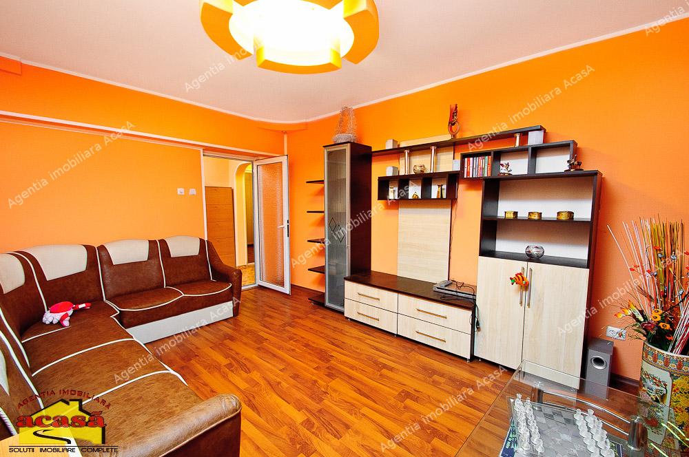 Apartament cu 3 camere de vanzare in Mazepa la Piata Ancora
