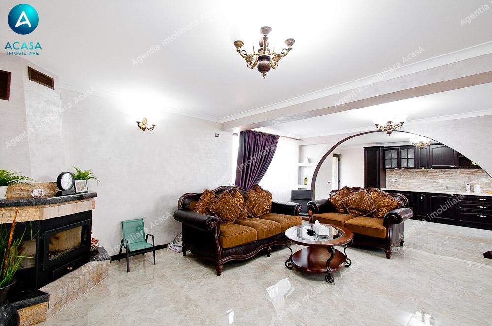 Casa frumoasa la intrarea in Vanatori
